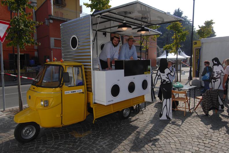 Progetto 0 prototipo street food mobile for Mobil shop srl